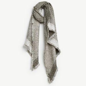 NWT Ann Taylor blanket scarf!